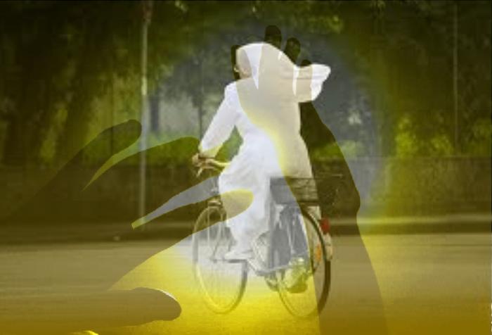La suora bianca in bicicletta